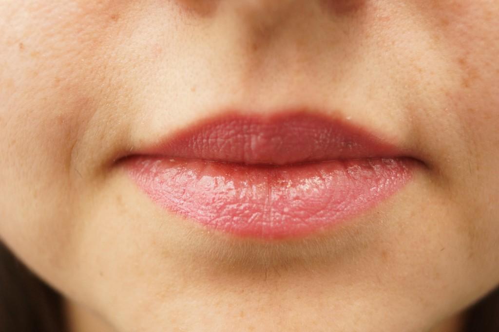 Dior Addict Lippenstift Rose-Deshibille-Swatch