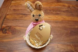 Hasenkorb mit Osterei Ferrero Roscher