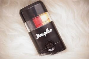 Douglas WM Fanstick schwarz rot gold Beautybox Juni daydiva