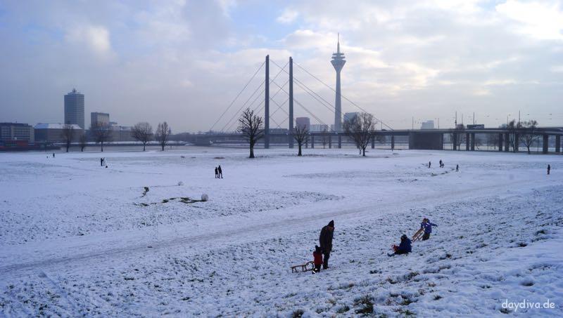 Rheinkniebrücke-Düsseldorf
