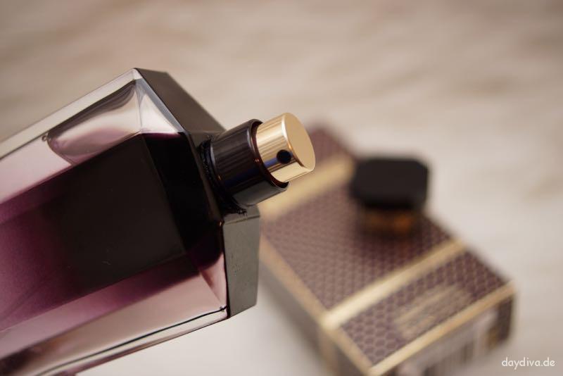 Sprühknopf des Eau de Parfum