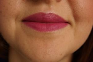 Catrice Lippenstift Une Deux Trois LE Meet me Cherry