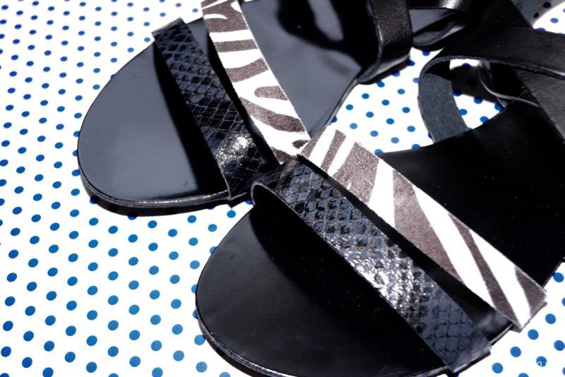 schwarze Sandalen von Yessica