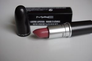 mein erster Lippenstift von MAC. Farbe Syrup