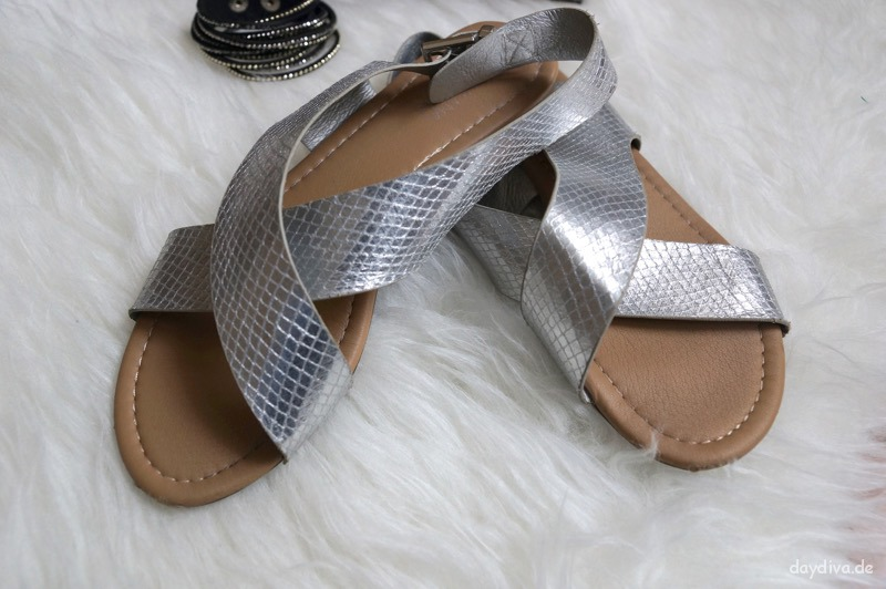 Sandalen in Metallic Optik