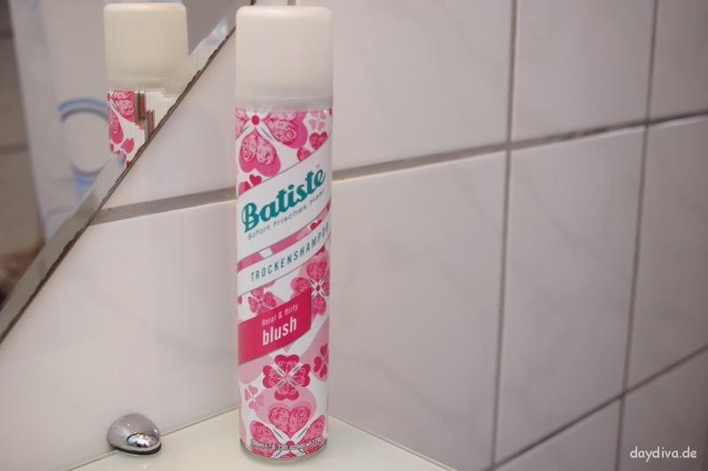 Vorderseite Batiste Dry Shampoo Blush