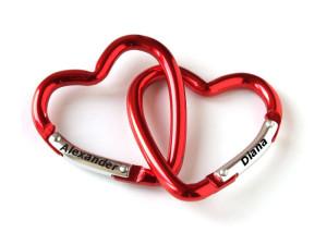 Zwei Rote Herzen als Geschenk zum Valentinstag