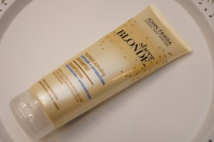 John Frieda sheer blonde repair und hydration shampoo