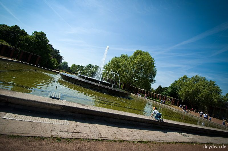 Nordpark Düsseldorf Stockum großer Springbrunnen