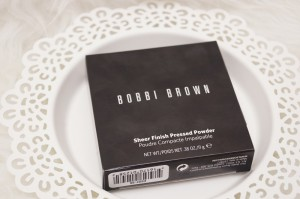 Bobbi Brown Sheer Finish Pressed Powder daydiva