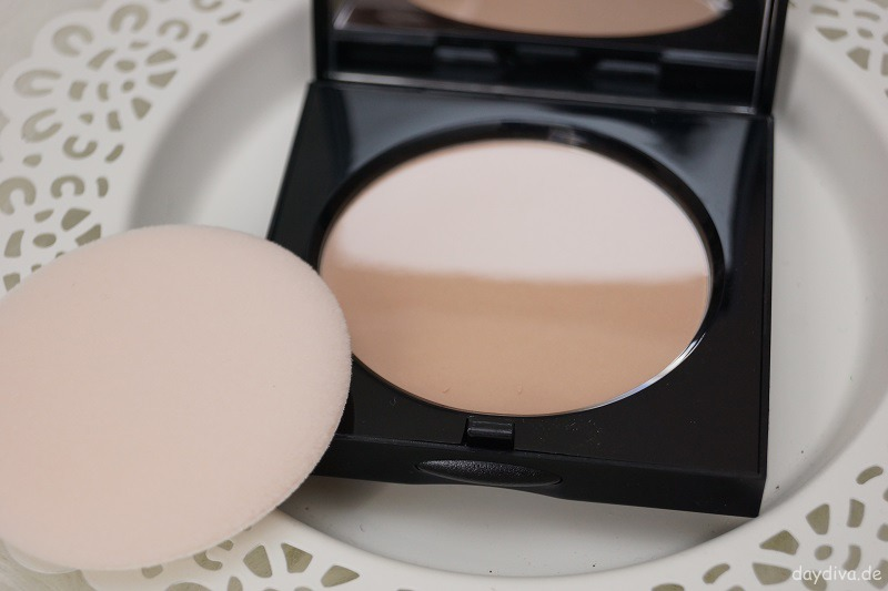 Bobbi Brown Sheer Finish Puder