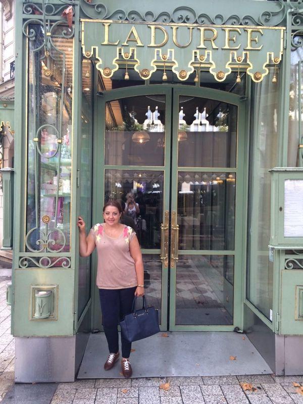 Konditorei Ladurée Eingang in Paris