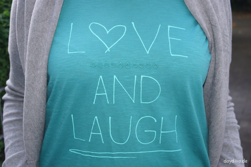 "T-Shirt ""Love and Laugh"" von Cecil.de"