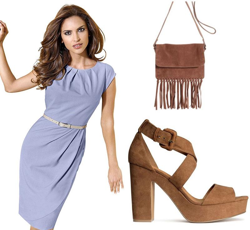 Blaues Sommerkleid, passende Schuhe und Tasche in Velourleder